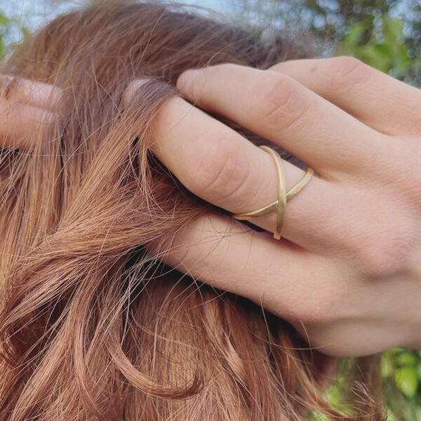 A Kind of Magic Cross Infinite Ring Gold Lady