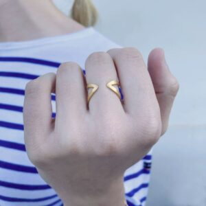 A Kind of Magic Ring Gold lady