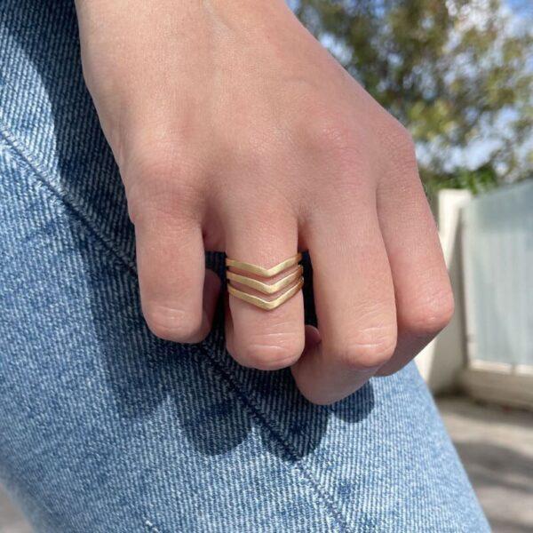 A kind of magic wonderwoman triple ring gold lady