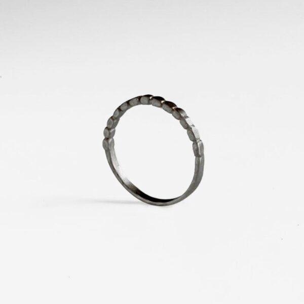 Half flat ring ruthenium