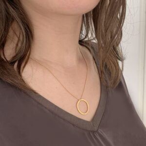 Circle M Necklace Gold Lady