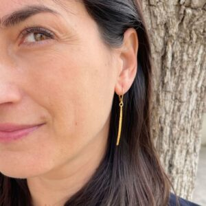 Kam Pendant earrings gold lady