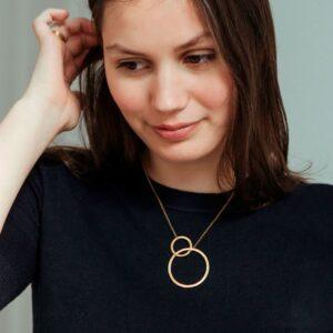 La Cala M Short Circle Necklace Gold Lady