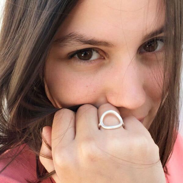 Nicola Circle Ring Silver Lady