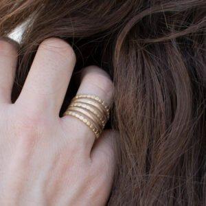 camu five ring gold lady