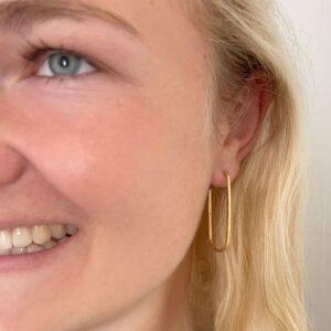 kam hoop small earrings gold lady