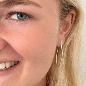 Marine Hoop M earrings silver lady